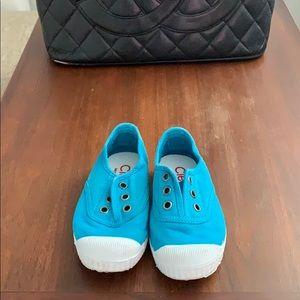 Cienta blue toddler shoes